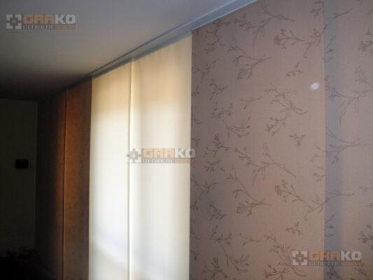 Zasłony panelowe w dwóch różnych wzorach
